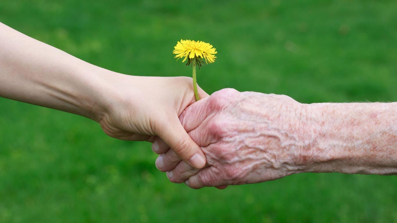 I familiari e l'anziano affetto da demenza: se  non ti riconosco più